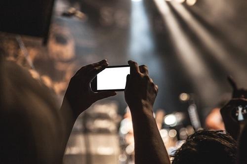 idees contenu Facebook Instagram Youtube musique